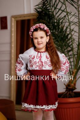 Вишиванка для дівчинки  ПТАШЕЧКА в бордовому кольорі