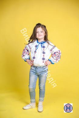 Вишита блузка для дівчинки КАЗКОВА