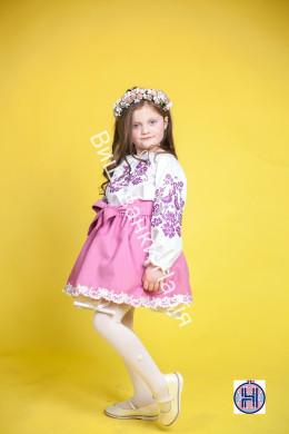 Вишиванка для дівчинки  ПТАШЕЧКА в пудровому кольорі