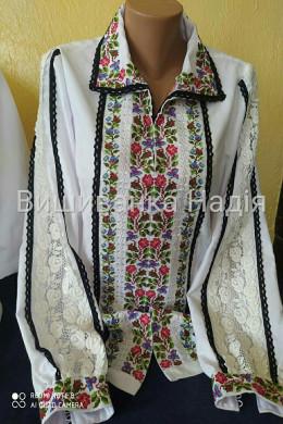 Вишита жіноча блузка КВІТКОВИЙ РОЗМАЙ