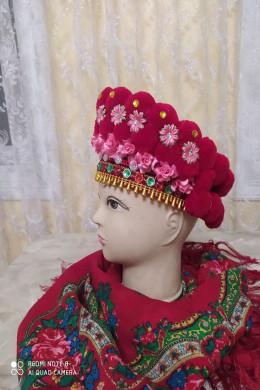 Чільце-корона в кольоровій гаммі(червона,червоні квіти)